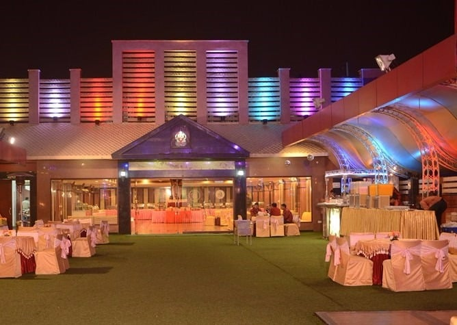 Which are the top party halls in Moti Nagar?