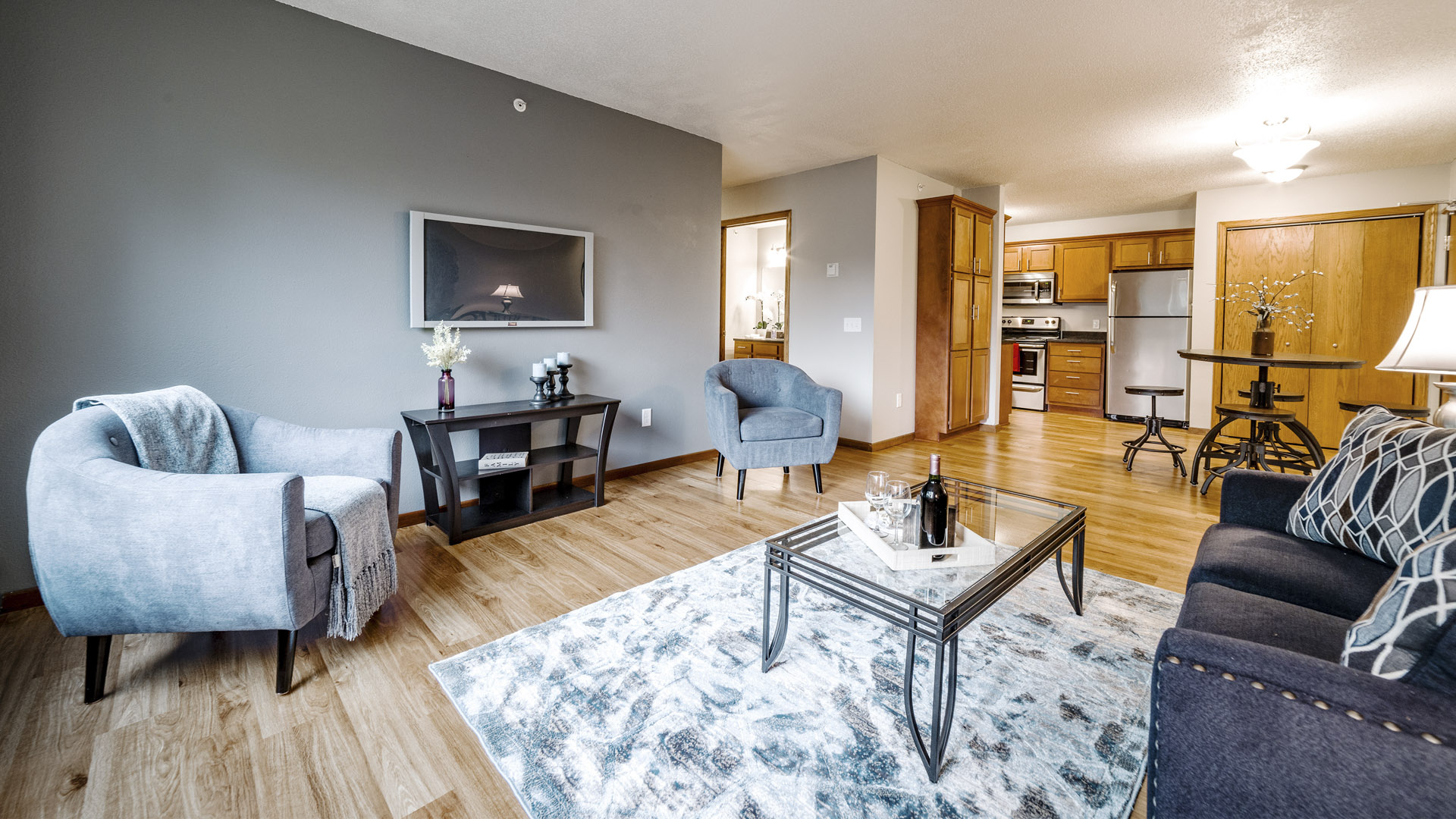 Live your life in a smart apartment in Forest Lake