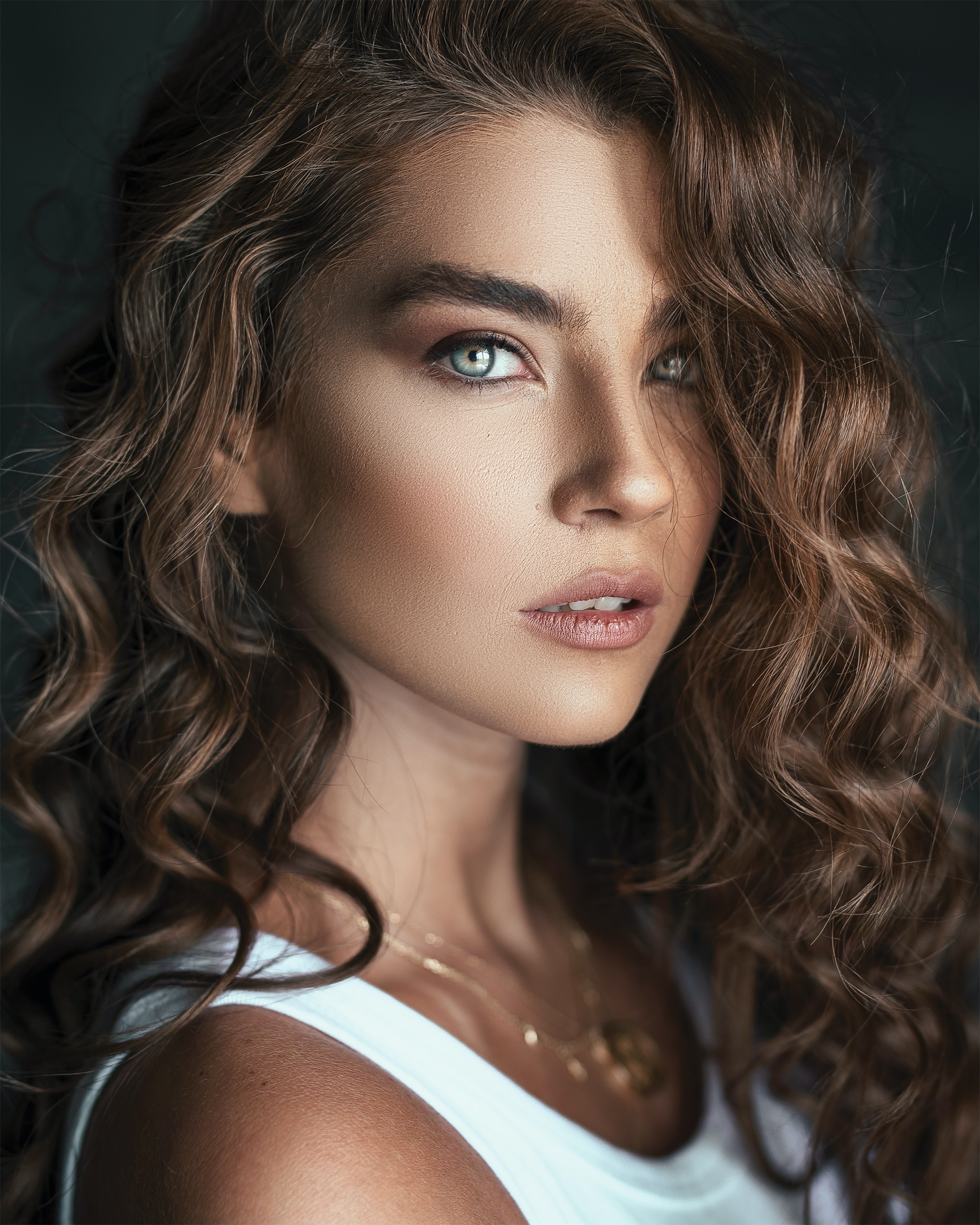 Loose curls-Curly hairs